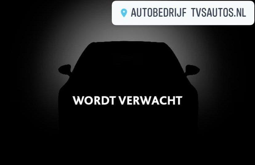 Renault Clio 1.4 16v 5-Deurs Billabong •Automatische Airco / Lichtmetalen Velgen / Trekhaak / Winterbandenset / Carkit• + NIEUWE APK